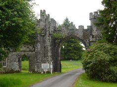 18th Century Scottish Highland Warrior | Castles in Highland Castles in Highland, such as Dunvegan Castle ...