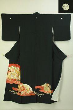 Antique black tomesode / プチアンティーク  黒地 檜扇花鳥文様 化繊留袖   #Kimono #Japan http://global.rakuten.com/en/store/aiyama/