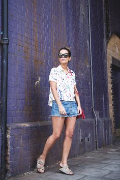 Painted_Shirt-Levis_Shorts-Birks-outfit-London-Street_Style-12