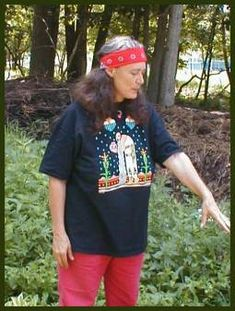 Be Your Own Herbal Expert Part 4: How to Make Herbal Tinctures by Susun Weed - Weed Wanderings Herbal eZine with Susun Weed