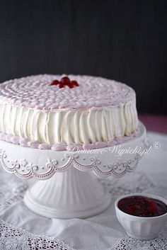 Kirsch- Mascarpone- Torte Ingredients: For the sponge cake: 4 eggs ¾ glass of sugar ½ glass of flour Mascarpone Cake, Cake Decorating Designs, German Cake, French Desserts, Polish Recipes, French Pastries, Cake Ingredients, Sponge Cake, Cake Recipes