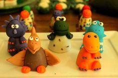 Bombom de chocolate corolidos de dinossauro https://www.facebook.com/blogcriandoecontando?pnref=story