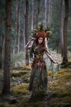 Model: Sway E'fey ♡ MuA: Nico Iwan Make Up and Hairstyle Photo, Headdress and Dress by CU-Photography Witch Costumes, Fantasy Costumes, Cosplay Costumes, Elf Cosplay, Cosplay Ideas, Art Costume, Nymph Costume, Costume Ideas, Forest Creatures