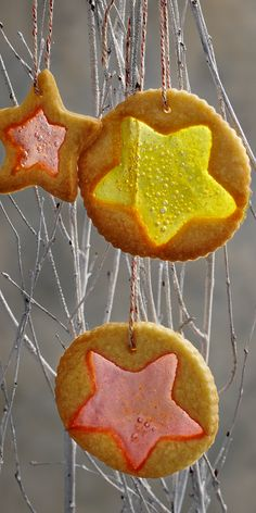 Mary Berry's Christmas biscuits look so pretty hung on the tree with their stained glass window centre twinkling in the light. For this recipe you will need a large and small biscuit cutter – stars, circles and other Christmas shapes all work well. Mary Berry Christmas, Confectionery Recipe, Turkey Crown, Merry Berry, Christmas Biscuits, Cocktail Sticks, British Baking, Happy Foods, Christmas Cooking
