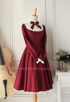 89$, soldé 69$, soldé 66$. http://www.lolitadressesshop.com/castle-girl-wine-red-vintage-classic-lolita-dress-p-2196.html