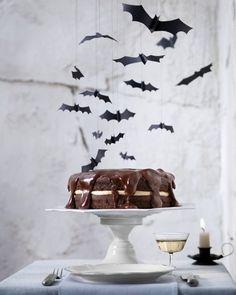 "Boston ""Scream"" Pie Recipe   Hotel Transylvania Party Ideas #HotelT2"