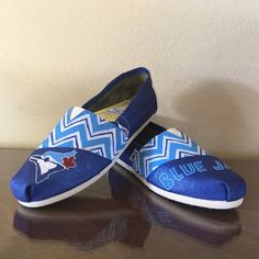 Toronto Blue Jays womens shoes chevron Toms available Chevron Toms, Tom Brands, Toms Style, Love Mom, Toronto Blue Jays, Baseball Mom, Texas Rangers, Outfit Of The Day, Fashion Shoes