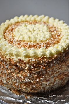 Eight Layer Coconut Lemon Cake with Raspberries & Toasted Coconut. I think i'd make a smaller cake for our little family.maybe 3 or 4 layers? Just Desserts, Delicious Desserts, Yummy Food, Baking Recipes, Cake Recipes, Dessert Recipes, Toasted Coconut, Lemon Coconut, Coconut Milk