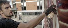 """""""Aussie Haze"""": Street Artist Nychos in Australien  Wenn in Wandgemälden Mensch wie Tier seziert werden, stehen wir höchstwahrscheinlich vor einem Kunstwerk des Österreichers Nychos. Mit makaber-my..."""