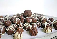 Narancsos golyók | NOSALTY Hungarian Cake, Hungarian Recipes, My Recipes, Dessert Recipes, Desserts, Milk And Eggs, Cake Art, Almond, Nasa