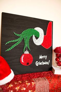 Merry Grinchmas - The Grinch Who Stole Christmas - string art - the grinch - grinch - grinch decorations - whoville - christmas decorations Whoville Christmas Decorations, Grinch Decorations, Christmas Crafts, Nail String Art, String Crafts, Arte Linear, Diy Cadeau Noel, String Art Patterns, Pattern Art
