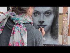 Réalisation d'un portrait au fusain et à l'acrylique par Isabelle Bourger - YouTube