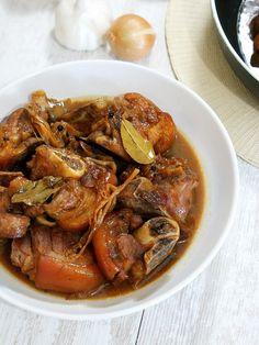 Pork Pata Humba - Quick and Easy Recipe | Amiable Foods Humba Recipe Pork, Pork Recipes, Asian Recipes, Ethnic Recipes, Pork Hock, Gluten Free Banana, Braised Pork, Serving Dishes, Pot Roast