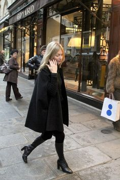 Kate Moss Sighthing In Paris - November 21, 2012