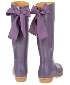 Love the purple, love the bows. Don't even care if those bows get wet.