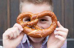 Ropogós sósperec | Fűszer és Lélek Sausage, Brunch, Meat, Food, Eten, Sausages, Meals, Brunch Party, Diet