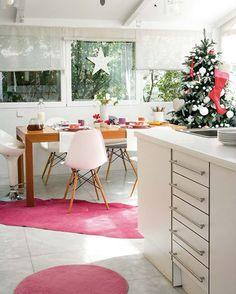 Las navidades están aquí otra vez y siendo la cocina la gran protagonista en estas fechas, no viene mal una inspiración extra para contagiarnos de todo el sentimiento navideño también entre fogones.