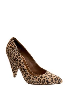 101d9361bba 127 Best Girls Loves Shoes images