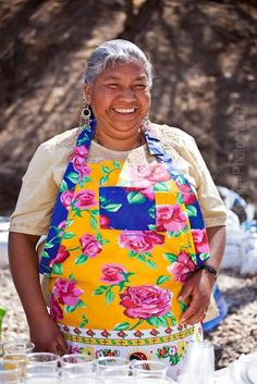 Mexican women know how to cook, to love and to enjoy life. Lupe wearing a Guadalupe Apron. We Are The World, People Around The World, How Beautiful, Beautiful People, Flirty Aprons, Half The Sky, Enjoying Life, Spanish Artists, Smile Face