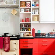 Red and cream 1950s-style kitchen   Modern Kitchens   Ideal Home   Housetohome.co.uk