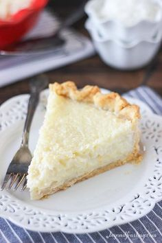 This Old Fashioned Coconut Custard Pie is similar to what you would imagine a coconut crème brulee might be. The flaky pie crust is filled with loads of shredded coconut set in a baked custard. - sub gf pie crust Kokos Desserts, Coconut Desserts, Köstliche Desserts, Coconut Recipes, Delicious Desserts, Dessert Recipes, Yummy Food, Coconut Cheesecake, Southern Desserts