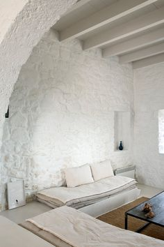 white washed house on Nisyros, Greek Islands Greek House, Interior Minimalista, Interior Decorating, Interior Design, Stone Houses, Cafe Restaurant, Greek Islands, Home Fashion, Style At Home