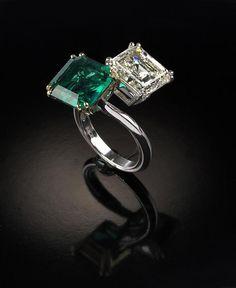 Veschetti - An emerald and a diamond emerald cut contrarie ring Emerald Jewelry, Gemstone Jewelry, Diamond Jewelry, Jewelry Rings, Jewelery, Jewelry Accessories, Fine Jewelry, Jewelry Design, Emerald Rings