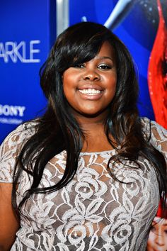Amber Riley Long Wavy Cut with Bangs