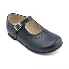Clare, Navy Blue Leather Girls Buckle Classics Shoes - School Shoes - Joely doesn't want these school shoes again this year! Blue Shoes, Kid Shoes, Girls Shoes, Leather School Shoes, Baby Girl Winter, Leather Buckle, Grey Leather, Childrens Shoes, Designer Shoes