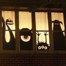 Isn't this cute? Window decoration for halloween! Beautiful craft idea /// I… - Halloween Dekoration Casa Halloween, Theme Halloween, Holidays Halloween, Halloween Crafts, Happy Halloween, Halloween Night, Homemade Halloween, Halloween Ghosts, Funny Halloween