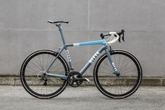 Ritte Bicycles Vlaanderen built by Standert. With Shimano Ultegra 11s group and Easton EC70 SL wheelset. 3T bar and stem and San Marco Zoncolan saddle. Need a Ritte? We can and will help you!