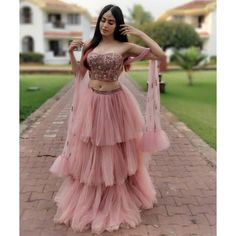Unique Bridal Lehenga designs that is every Bride's pick in Indian Gowns Dresses, Indian Fashion Dresses, Dress Indian Style, Indian Designer Outfits, Outfit Designer, Net Dresses, Indian Wear, Designer Party Wear Dresses, Dress Fashion