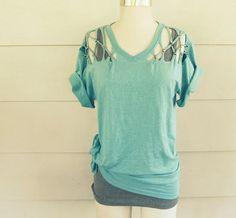 idea-para-customizar-camisetas http://www.ideasdiy.com/ropa-diy/idea-para-customizar-camisetas/#.UseM_fTuL_w