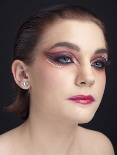Another look that would read from a distance. Can you picture using this makeup idea? Dance Makeup, Performance Makeup, Chinese Opera, Costume Makeup, Facial Hair, Sculpting, Photo Galleries, Diamond Earrings, Wigs