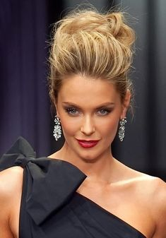Messy Updo: Jennifer Hawkins Hair                                                                                                                                                                                 More