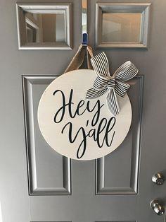 29 Ideas Round Door Hangers Summer For 2019 Front Door Signs, Front Door Decor, Wreaths For Front Door, Door Wreaths, Front Doors, Texas, Round Door, Wooden Door Hangers, Wooden Door Signs