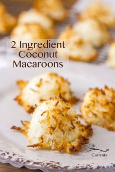 2 Ingredient Coconut Macaroons Sweet coconut filled macaroon cookies, with just two ingredients! 2 Ingredient Coconut Macaroons Sweet coconut filled macaroon cookies, with just two ingredients! Chocolate Cookie Recipes, Easy Cookie Recipes, Best Dessert Recipes, Coconut Chocolate, Coconut Recipes Easy, Chocolate Macaroons, Chocolate Ganache, White Chocolate, Yummy Recipes