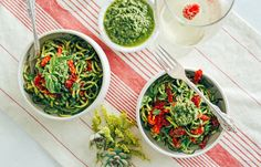 Zucchini Pasta with Pesto & Sun Dried Tomatoes