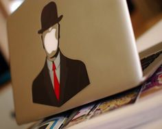 Para decorar el Mac - Rene Magritte MacBook Decal – $8 http://thegadgetflow.com/portfolio/rene-magritte-macbook-decal/