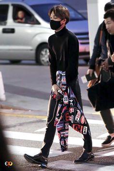 EXO // KAI Exo Kai, Chanyeol, Exo Kokobop, Kpop Fashion, Korean Fashion, Airport Fashion, Chen, Exo Monster, Kim Jongin