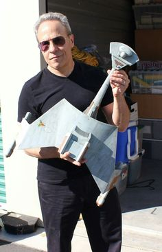 This is Doud Drexler, holding the model of a Klingon Klingon Empire, Star Trek Klingon, Star Trek Starships, Star Trek Models, Sci Fi Models, Star Trek Tos, Star Wars, The Enemy Within, Star Trek Original