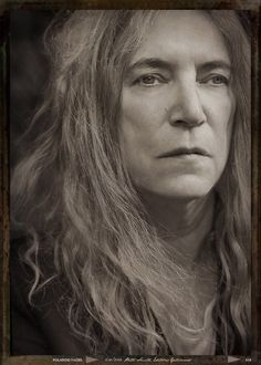 PATTI SMITH Patti Smith, Just Kids, Androgynous Women, Tv Icon, Robert Mapplethorpe, She Wolf, Here's The Thing, Photographs Of People, Famous Women