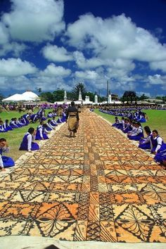Mala'e Kula Tonga...Funeral of the King Of Tongai want an tapa lay down for my party entrance in the church