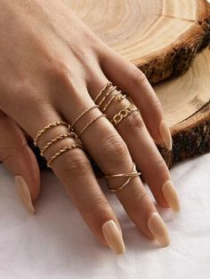 Shop Simple Spiral Textured Ring Set at ROMWE, discover more fashion styles online. Hand Jewelry, Cute Jewelry, Jewelry Rings, Jewellery, Jewelry Accessories, Women Jewelry, Dainty Gold Rings, Cheap Gold Rings, Gold Thumb Rings