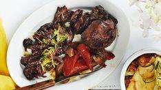 Nyhtölammas Pulled Lamb, Pot Roast, Steak, Cooking, Ethnic Recipes, Food, Carne Asada, Kitchen, Roast Beef