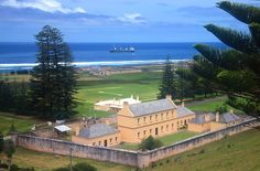 Kingston, capital do Território da Ilha Norfolk, Austrália Kingston, Prison, Mutiny On The Bounty, Hms Bounty, Norfolk Pine, Wake Island, Island Holidays, Norfolk Island, Cruise Holidays