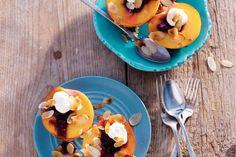 21 mei - Perziken in de bonus - Zoet fruit met romige mascarpone, een heerlijk zomers toetje! Recept - Allerhande