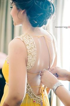 Breathtaking blouse! - for more follow my Indian Fashion Boards :)