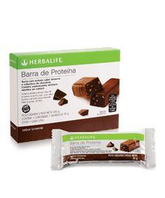 """Barra de Proteína com sabor """"brownie"""" e """"limão"""". As Barras de Proteína® Herbalife, formuladas com proteínas de alto valor biológico, são uma excelente opção de lanche saudável ou para os momentos de desejo por doces, já que são cobertas por chocolate. Por que consumir? Ajudam a reduzir os picos de fome entre as refeições. Saiba mais: http://focoemvidasaudavel.blogspot.com"""
