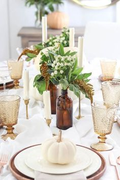 On the table- Gathered Goodness Thanksgiving table setting idea - Sometimes gathered goodness is exactly what you need for setting a simple and simply beautiful table. thanksgiving On the table- Gathered Goodness Thanksgiving table setting idea